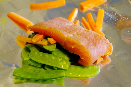Teriyaki Salmon in Foil via Lizshealthytable.com