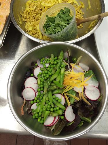 Mixed Green Salad via Lizshealthytable.com