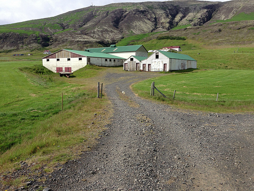 Farms in Iceland via Lizshealthytable.com