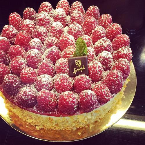 Raspberry tart at sprungli via Lizshealthytable.com