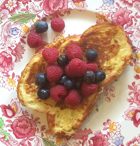 French toast topped with Concord grapes and raspberries via Lizshealthytable.com