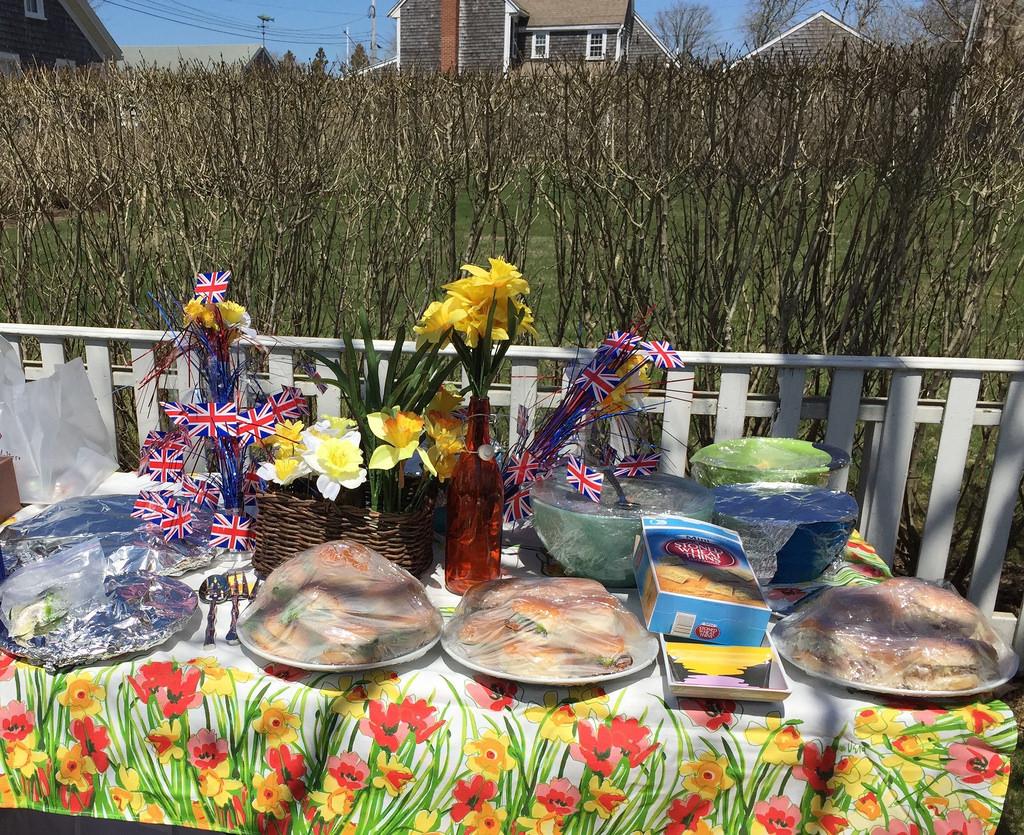 Daffodil Festival, Nantucket 2015 - picnic via LizsHealthyTable.com