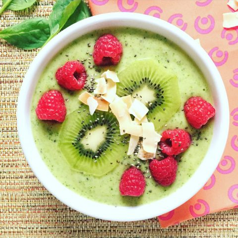 Green Smoothie Bowl via LizsHealthyTable.com