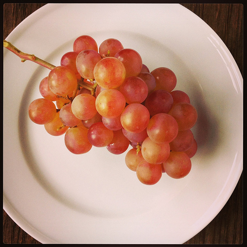 Muscato Grapes via LizsHealthyTable.com